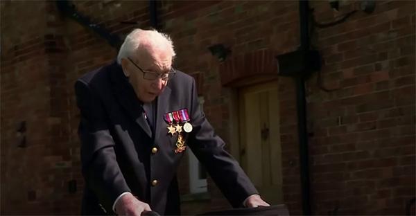 Thomas Moore, 3 lecciones de amor y servicio que nos da Thomas Moore, ¡un abuelito de 100 años!