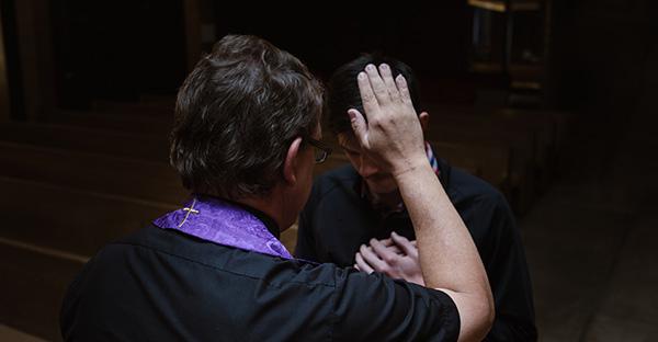 confesión, «¡Por fin podré confesarme!». 38 preguntas para hacer el mejor examen de conciencia