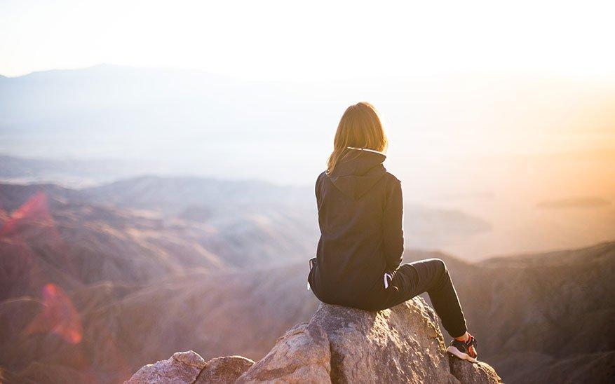 esperanza, «No pierdas la esperanza de un futuro mejor». El mensaje de un sacerdote a todas las naciones