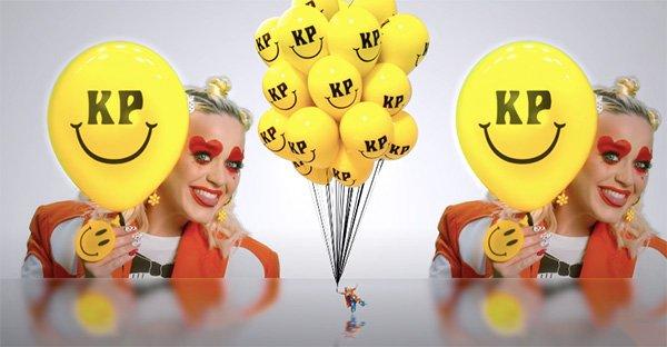 sonreír, Sí, para sorpresa de todos Katy Perry habla de humildad y agradecimiento en esta canción