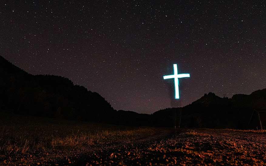 ¿Qué quiere decir cargar la propia cruz? 4 puntos clave