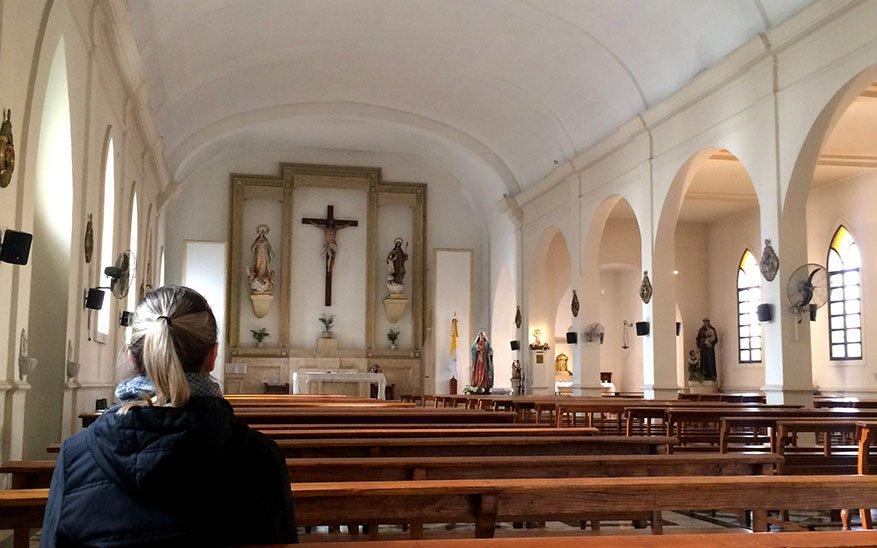 volver a las iglesias, «Tocar de nuevo a Jesús». La reflexión de un sacerdote que nos invita a volver a las iglesias