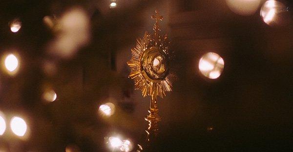 ¿Qué es la Eucaristía como sacramento?