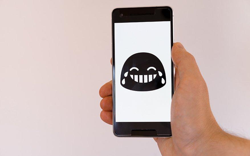 Big Tech, ¿Tú también dejaste WhatsApp? Hablemos sobre la privacidad, la libertad de expresión y las Big Tech