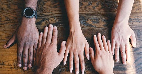 ¿Cómo orar en grupo? Sigue estos 6 pasos